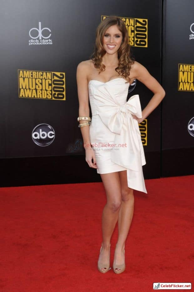 Kayla Ewell Awesome Look In White Outfit-003