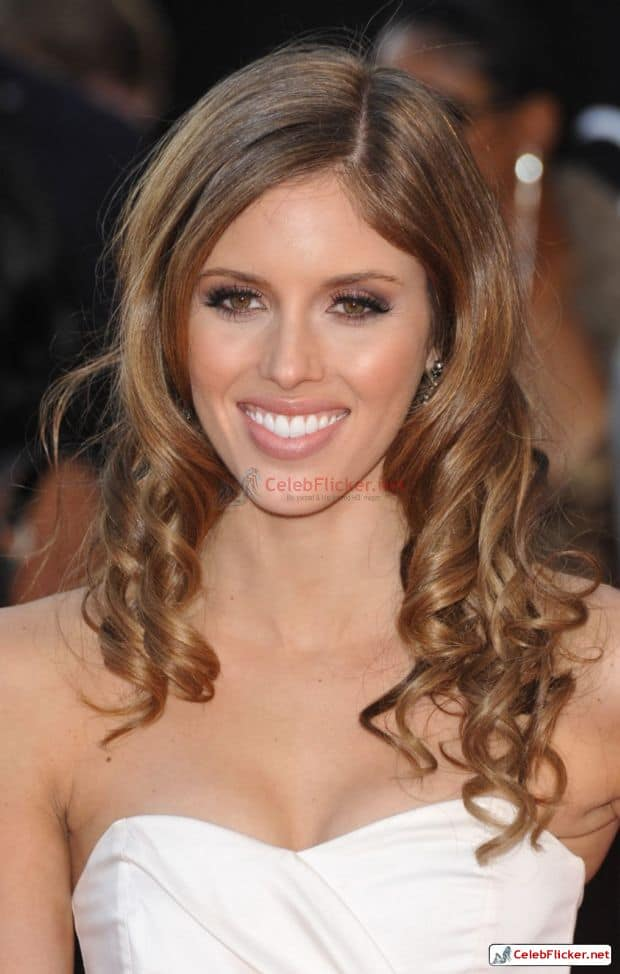 Kayla Ewell Awesome Look In White Outfit-005