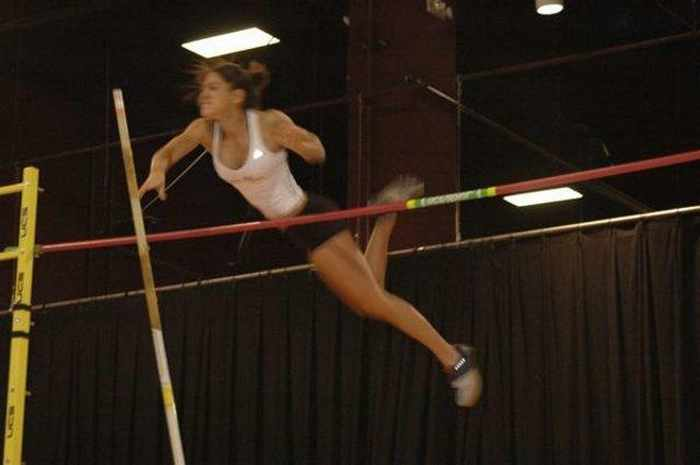 Hot Allison Stokke In Action - 18 Photos -18