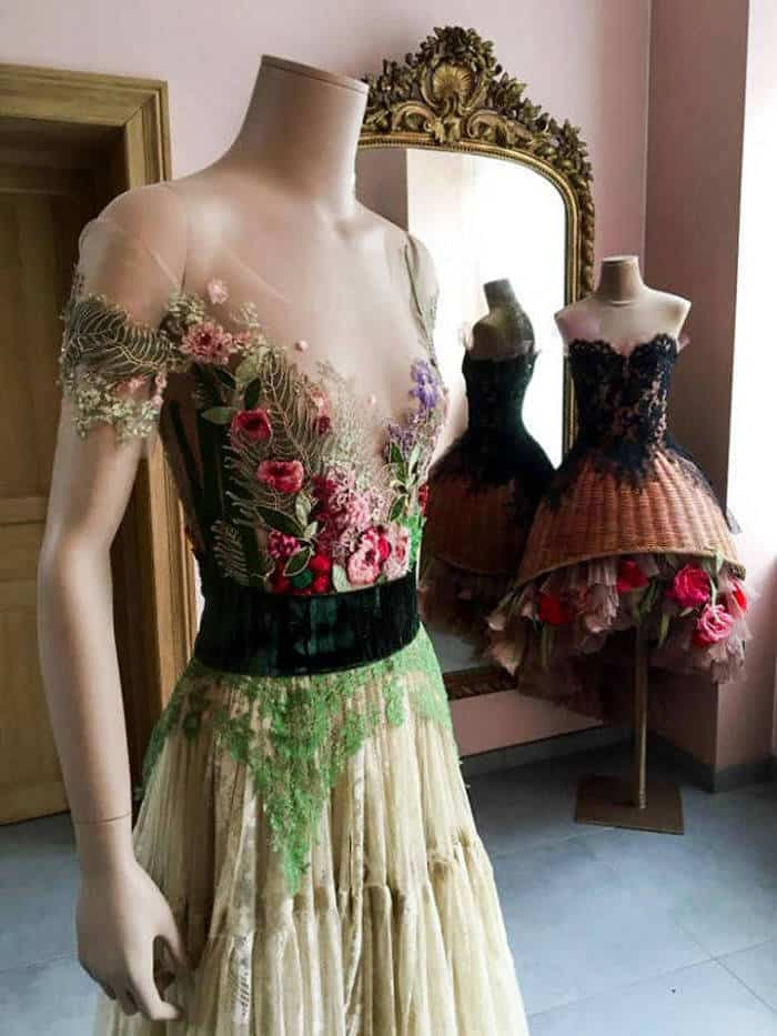 16 Pictures of Amazing Creative Dresses That Will Blow Your Mind -01