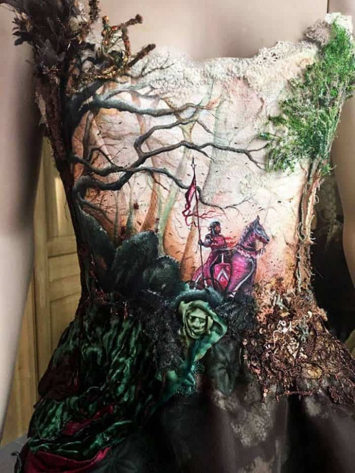 16 Pictures of Amazing Creative Dresses That Will Blow Your Mind -03