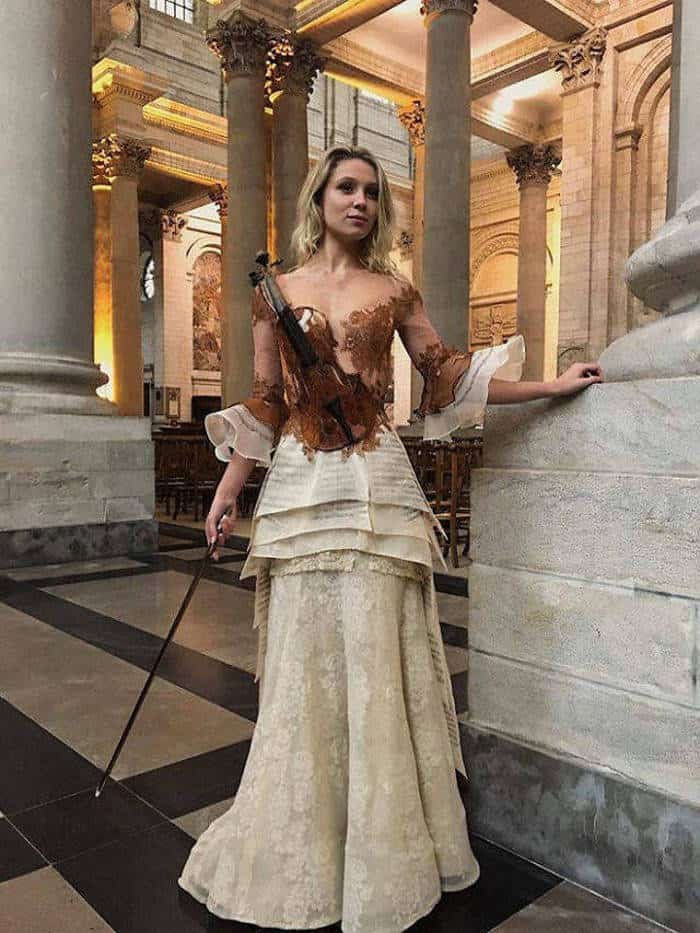 16 Pictures of Amazing Creative Dresses That Will Blow Your Mind -05