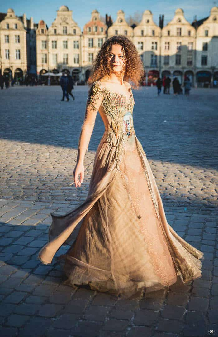 16 Pictures of Amazing Creative Dresses That Will Blow Your Mind -09