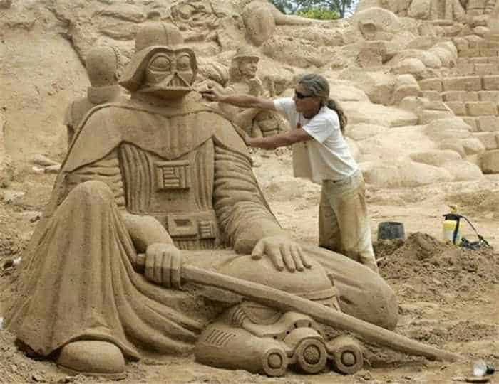 5 Creative Pictures of Amazing Sand Sculptures -01