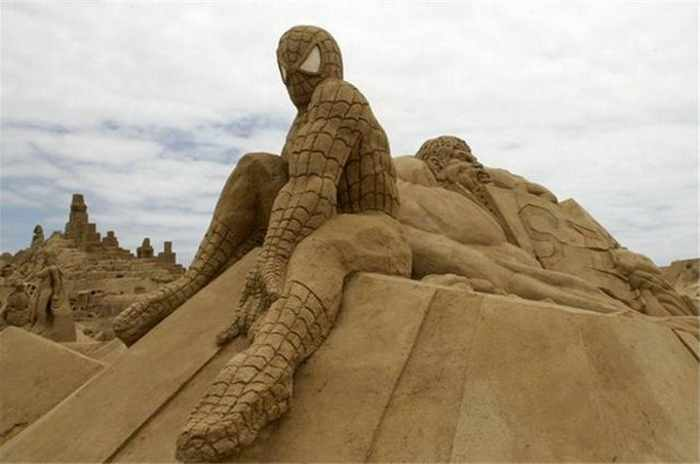 5 Creative Pictures of Amazing Sand Sculptures -03