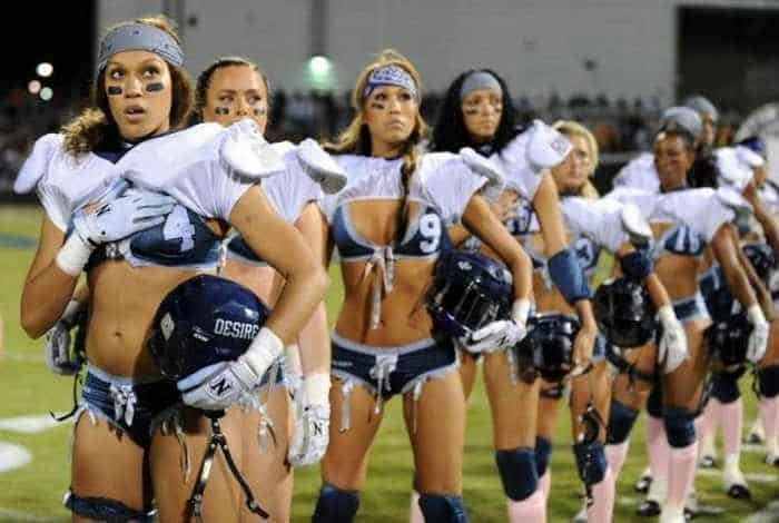 6 Funny Pictures of Crazy American Football -01