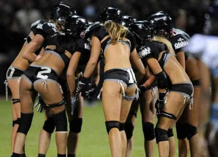 6 Funny Pictures of Crazy American Football -06