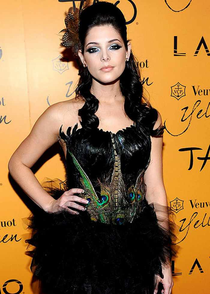 ashley-greene-halloween-costume