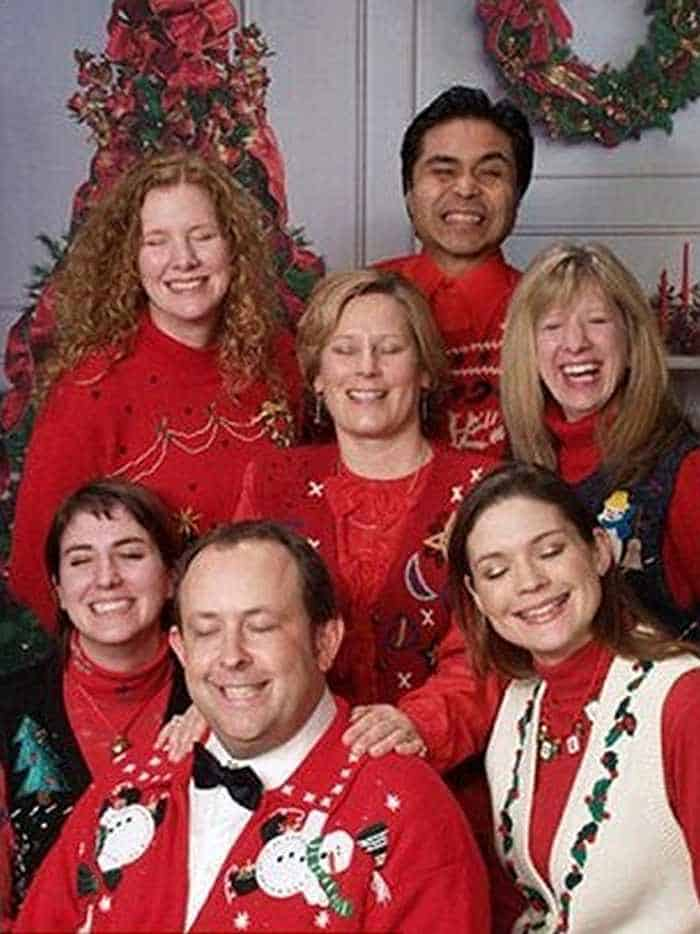 The 50 Most Awkward Family Christmas Photos That are Hilarious -09