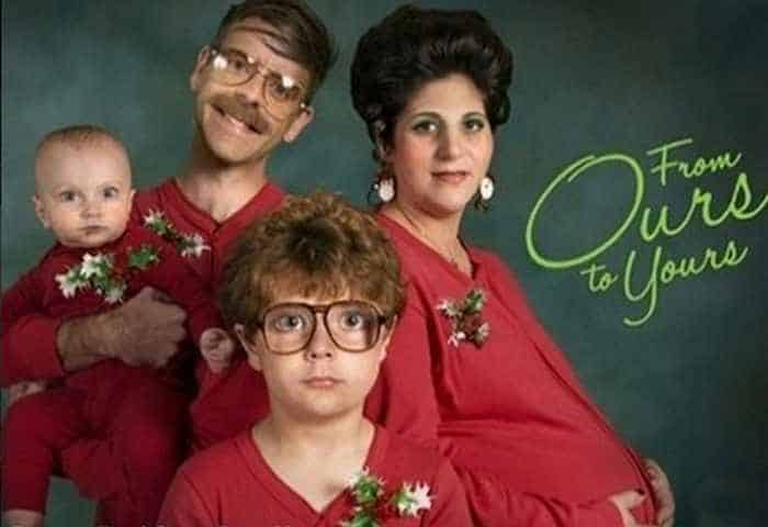 The 50 Most Awkward Family Christmas Photos That are Hilarious -11