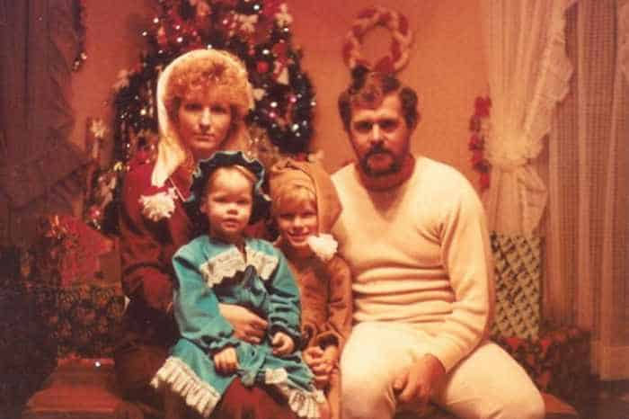 The 50 Most Awkward Family Christmas Photos That are Hilarious -22