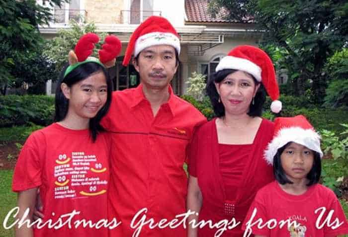 The 50 Most Awkward Family Christmas Photos That are Hilarious -30