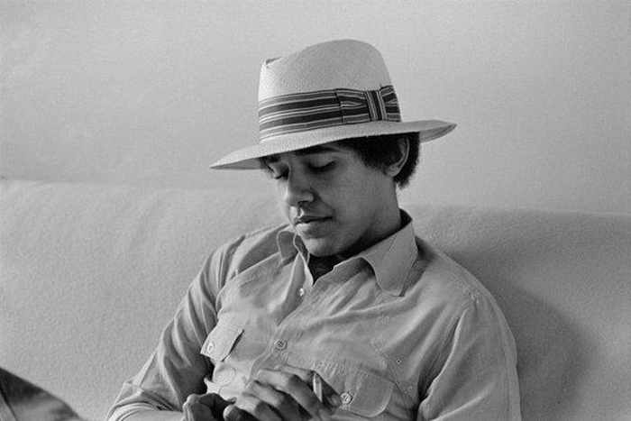 Barack Hussein Obama Rare Young Photos Part 2 -17