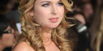 Kirsten Prout at The Twilight Saga: New Moon Los Angeles Premiere