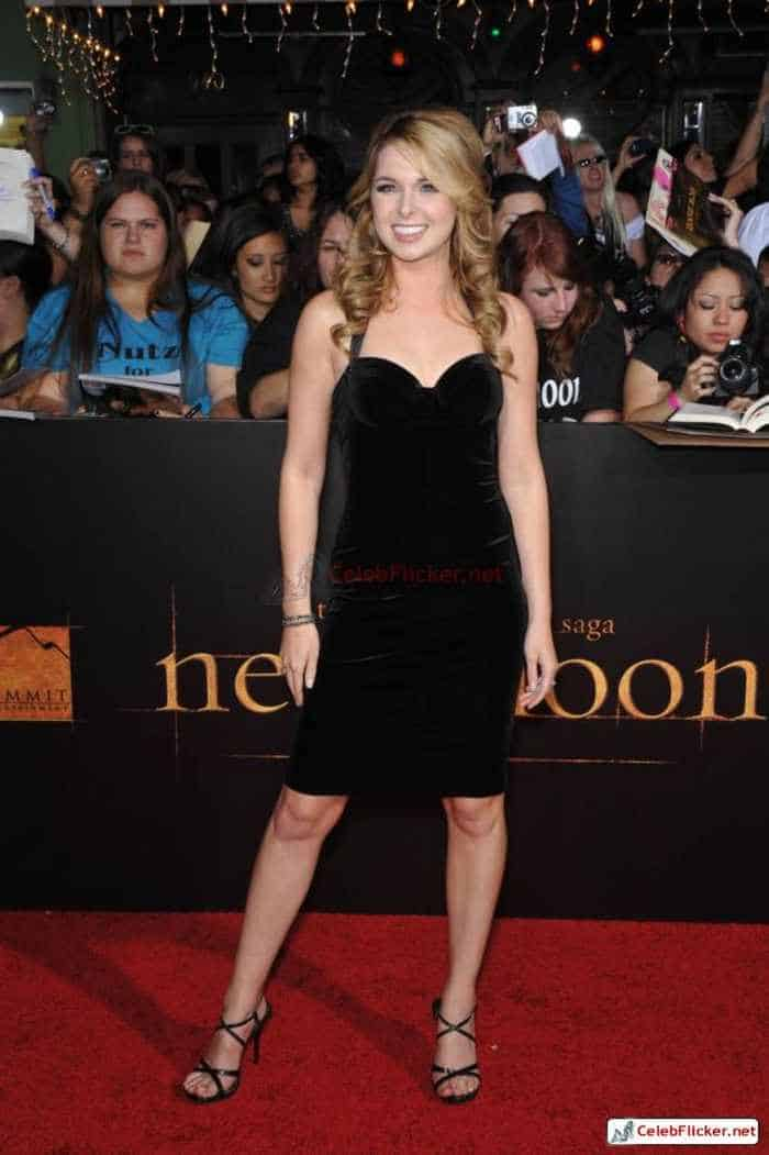Kirsten Prout at The Twilight Saga: New Moon Premiere-04