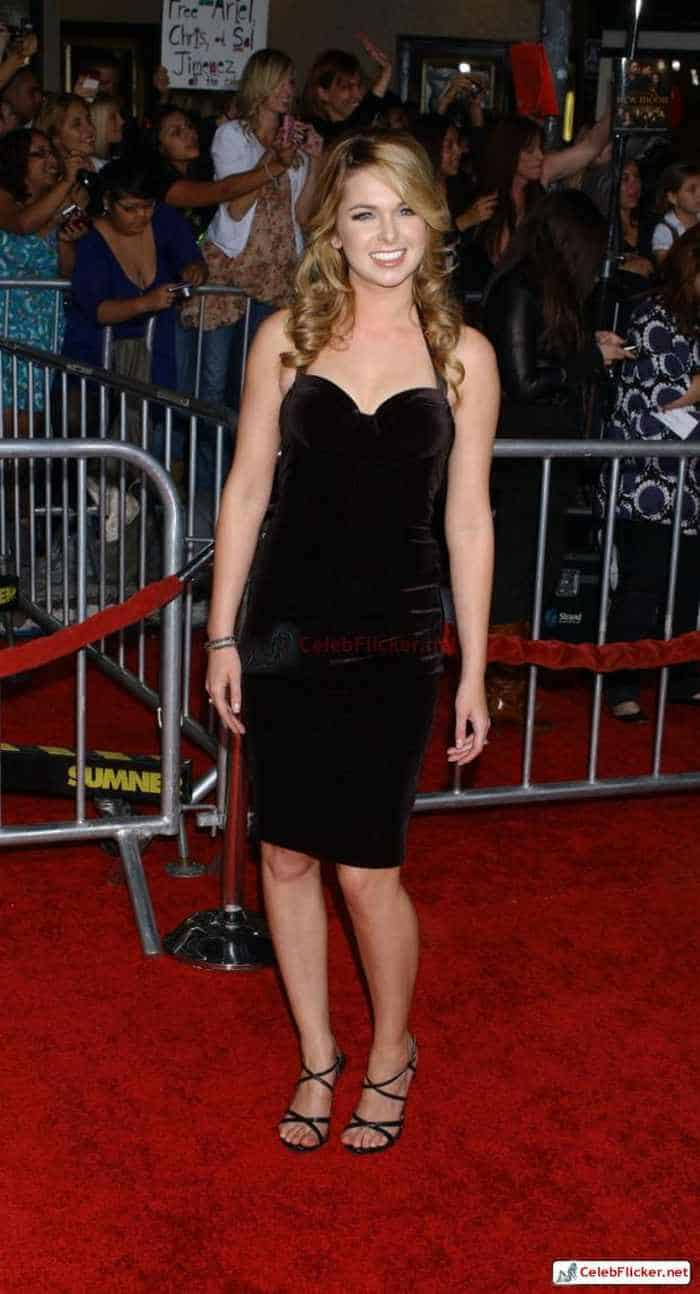 Kirsten Prout at The Twilight Saga: New Moon Premiere-08