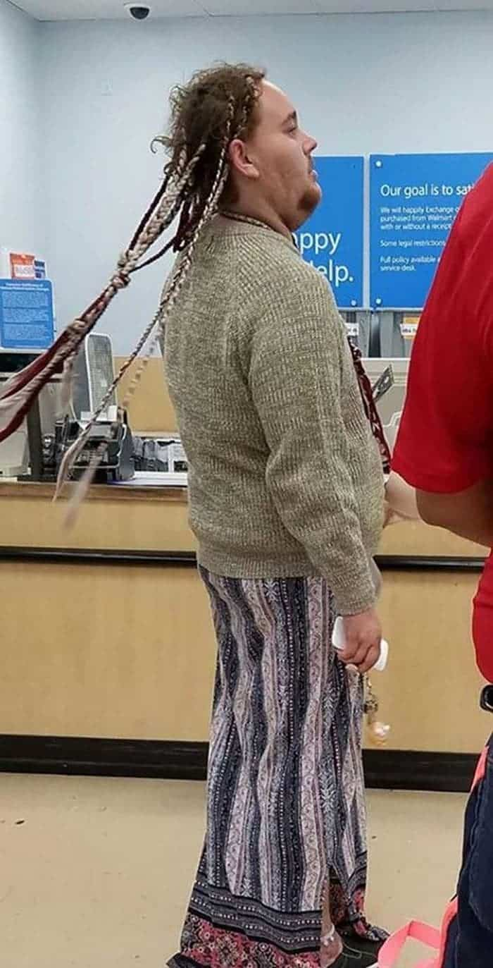 35 Bizarre People of Walmart That Are The Best Freak Ever -28