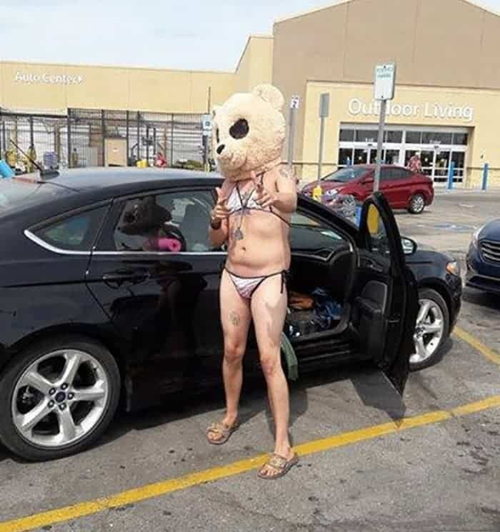 35 Bizarre People of Walmart That Are The Best Freak Ever -35