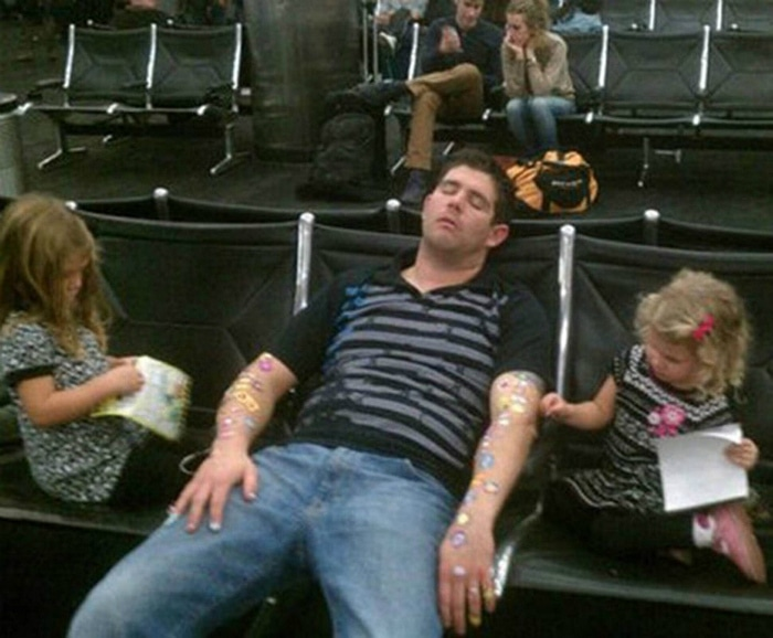 Most Bizarre Things Spotted At The Airport (55 Pics)-49