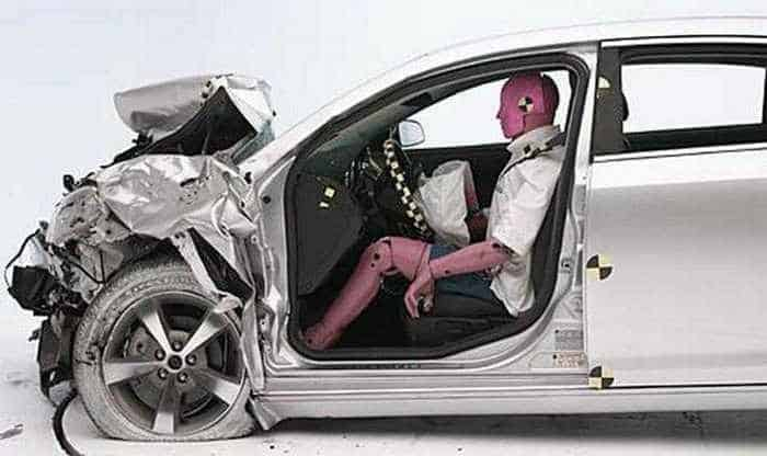 Funny Crash Test - Chevrolet New VS Chevrolet Old -05