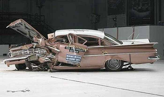 Funny Crash Test - Chevrolet New VS Chevrolet Old -06