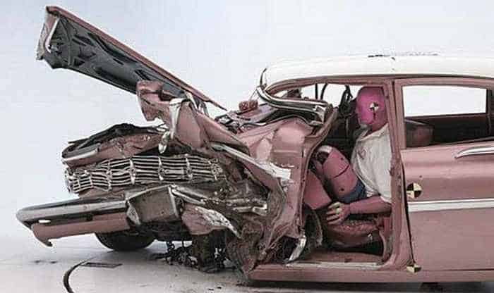 Funny Crash Test - Chevrolet New VS Chevrolet Old -07