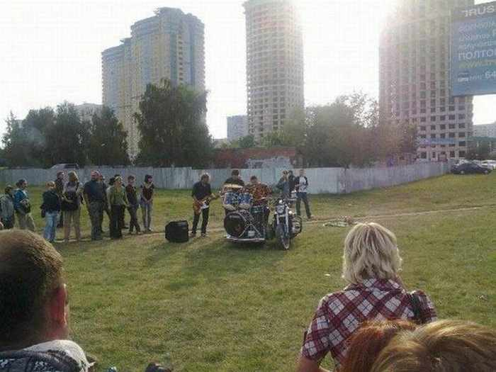 Funny Bike With Drums For Music Lover - 8 Pics -02
