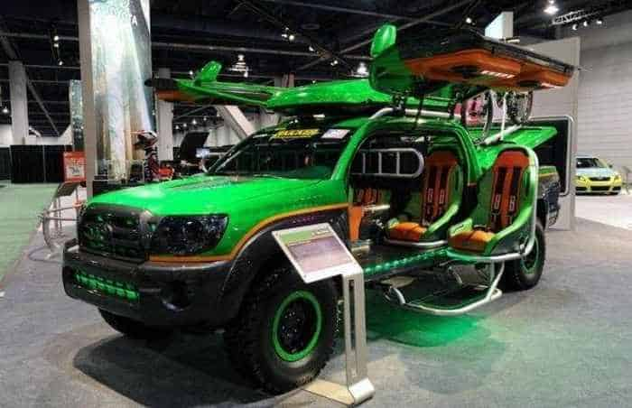 13 Funny Pictures of Cool Car For Fans of Computer Games-01