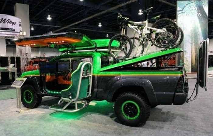 13 Funny Pictures of Cool Car For Fans of Computer Games-02