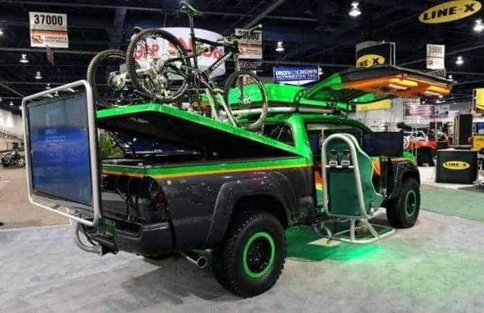 13 Funny Pictures of Cool Car For Fans of Computer Games-03