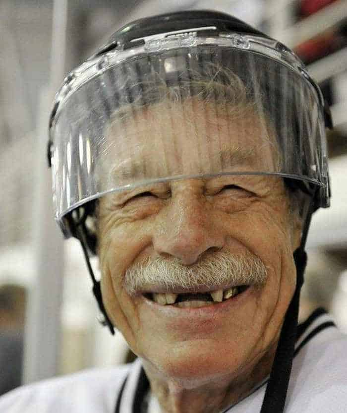 Mind-blowing Funny and Cool Hockey Team - 9 Pics 01