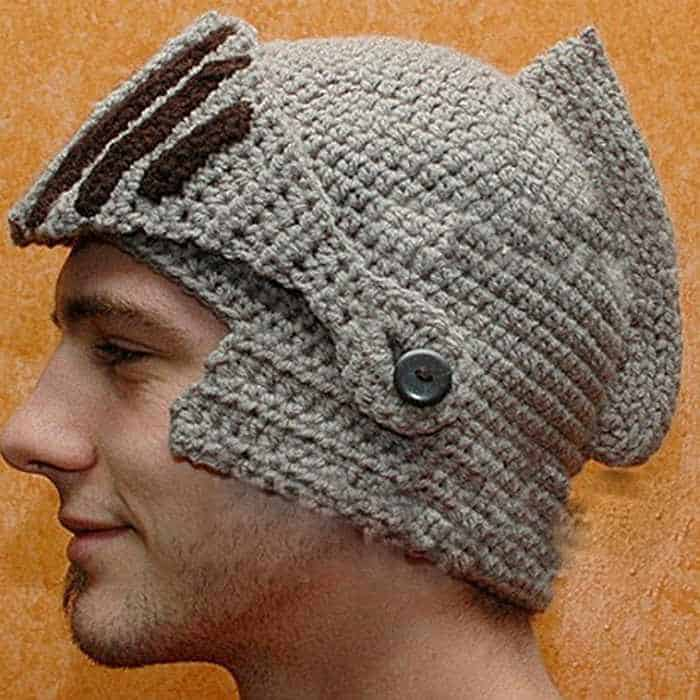 30 Cool Winter Hats That Will Keep You Warm -24