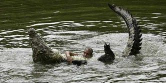 Crazy Crocodile Trainer Guy – 4 Photos