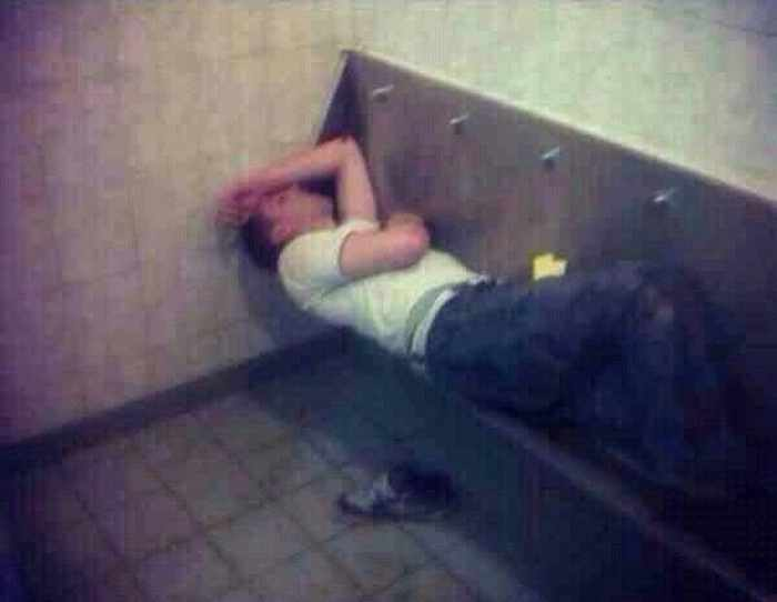 23 Decisions You Only Make When You're Drunk - 01