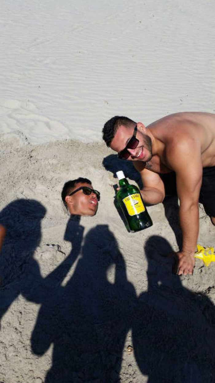 23 Decisions You Only Make When You're Drunk - 04