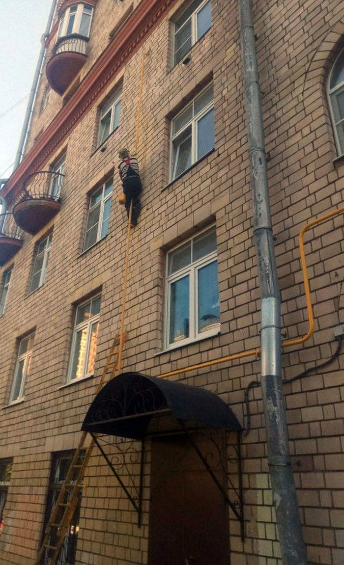 Dumb People That Don't Care About Safety First (45 Photos)-44