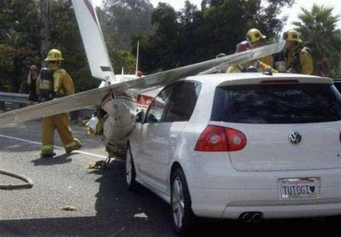 Funny Emergency Landing of Plane - 9 Photos -08