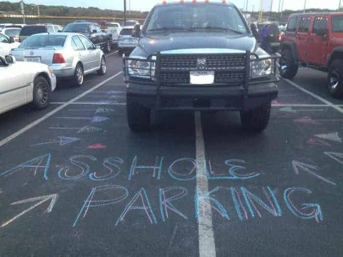 The 13 Epic Parking Fails That Will Blow Your Mind - Seriously -04