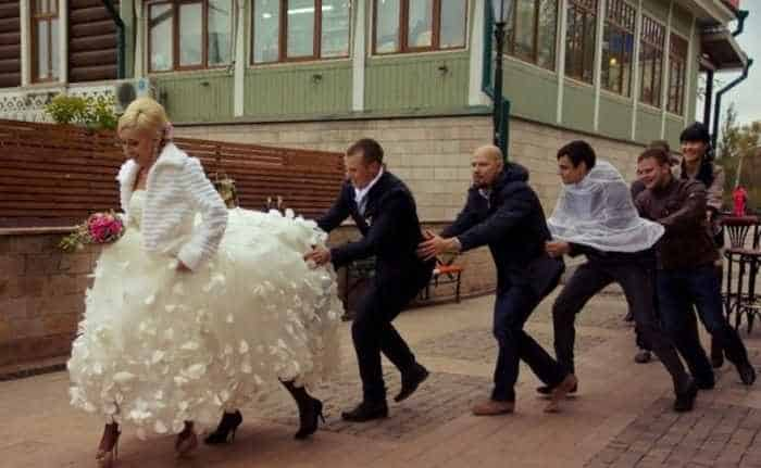 44 Funny Epic Fail Wedding Pictures That Will Make You Laugh -21