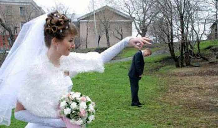 44 Funny Epic Fail Wedding Pictures That Will Make You Laugh -36