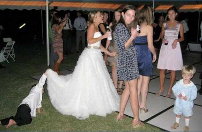 44 Funny Epic Fail Wedding Pictures That Will Make You Laugh -42