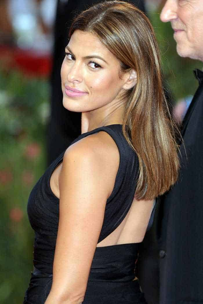 13 Eva Mendes Funny And Beautiful Pictures -04