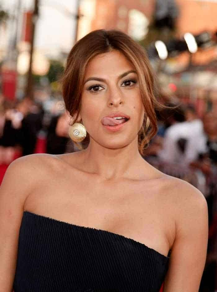 13 Eva Mendes Funny And Beautiful Pictures -06