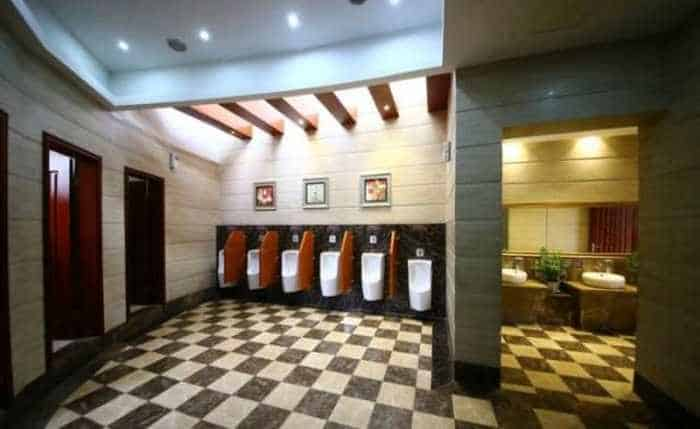14 Pictures of Five Star Toilet In China Will Blow Your Mind - 03