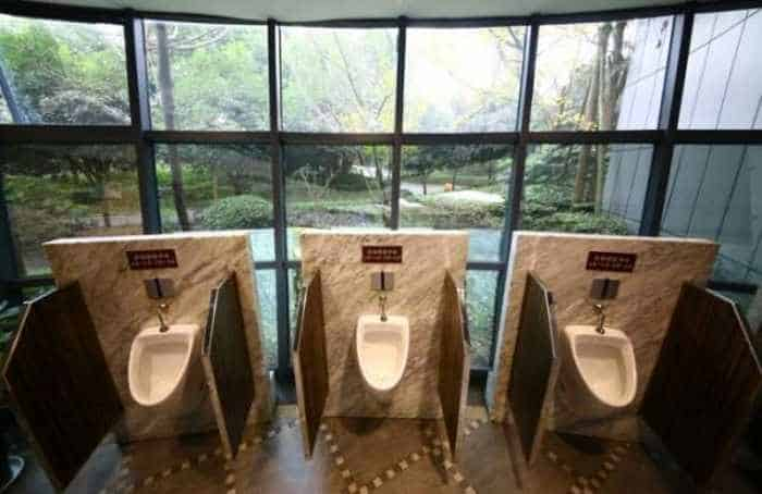14 Pictures of Five Star Toilet In China Will Blow Your Mind - 05