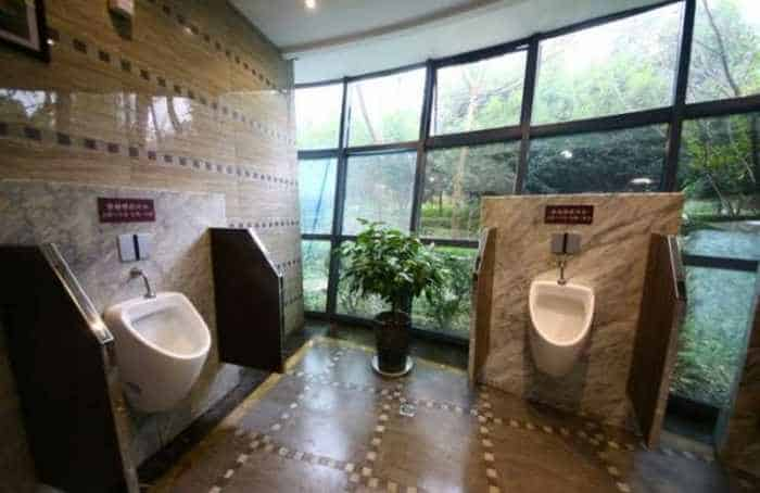 14 Pictures of Five Star Toilet In China Will Blow Your Mind - 08