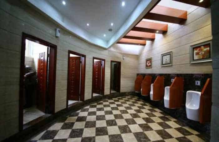 14 Pictures of Five Star Toilet In China Will Blow Your Mind - 10
