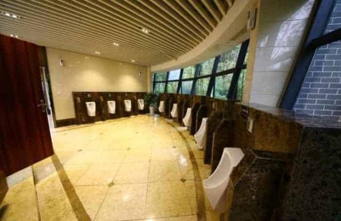 14 Pictures of Five Star Toilet In China Will Blow Your Mind - 12