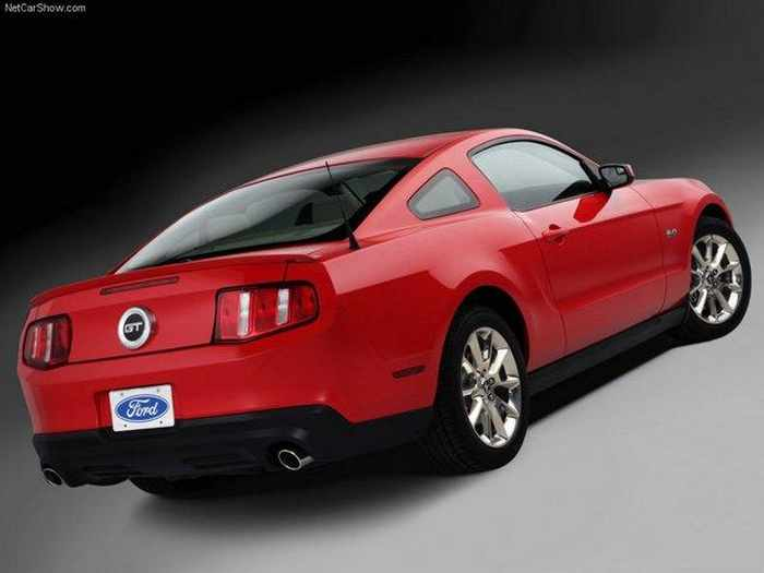 9 Awesome Pictures of 2010 Ford Mustang GT_03