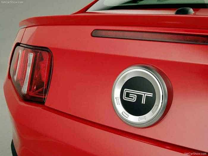 9 Awesome Pictures of 2010 Ford Mustang GT_08